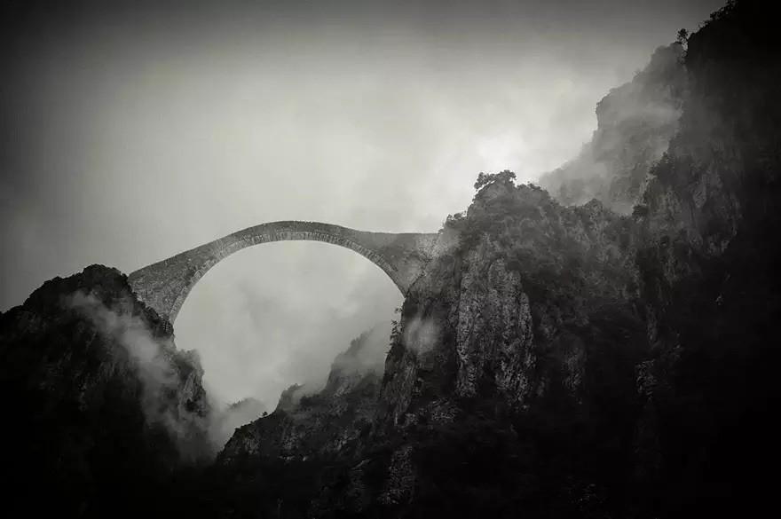 Мост в горах Пиндос, Греция в мире, мост
