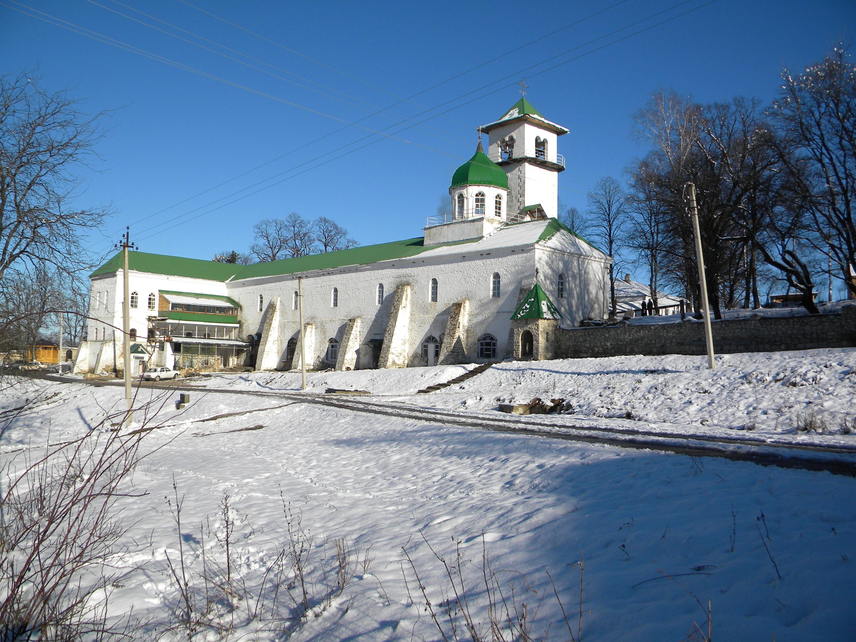 И есть Свято-Михайловский монастырь, расположенный в Майкопском районе Майкоп, адыгея