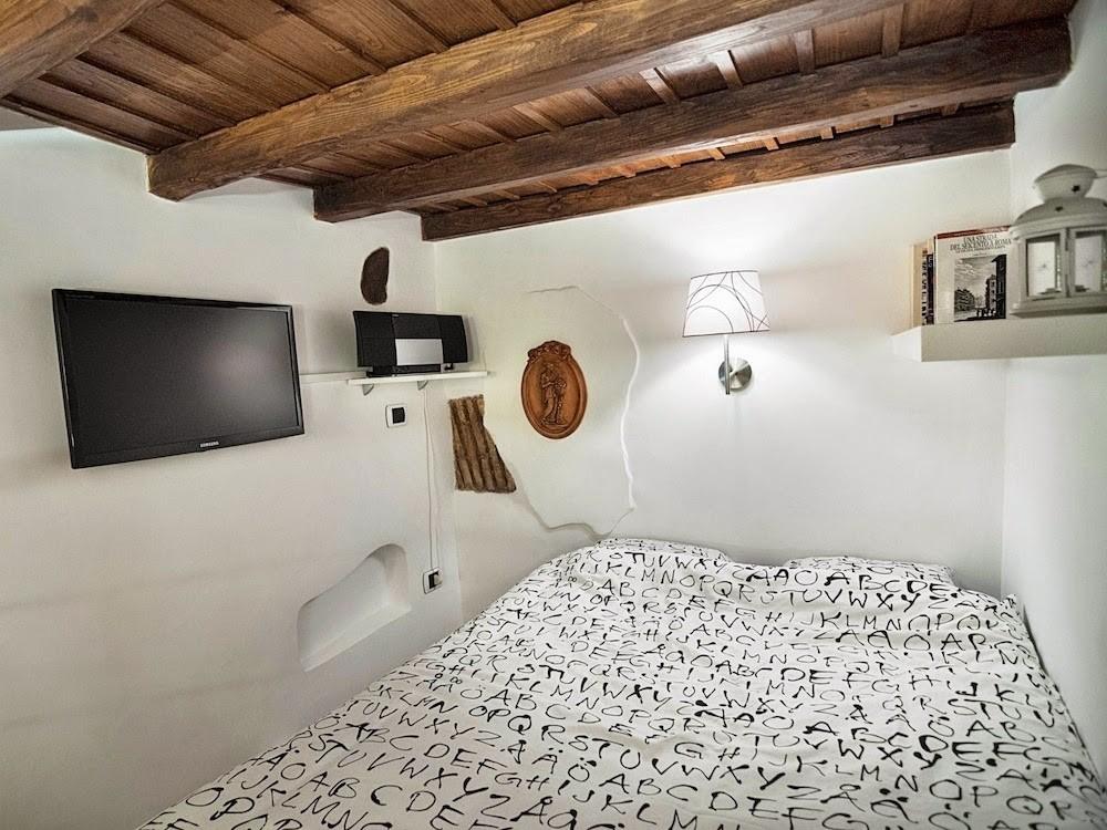 Очень маленькая квартира в Риме. 7 кв.м 7 кв.м, Очень маленькая квартира в Риме