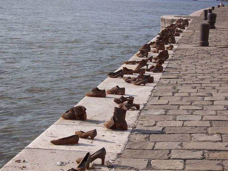 Туфли на набережной Дуная памятники, памятники россии