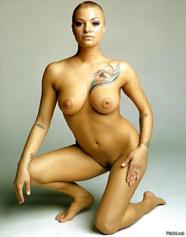 лысая девушка с большой грудью наредил бъде произведена