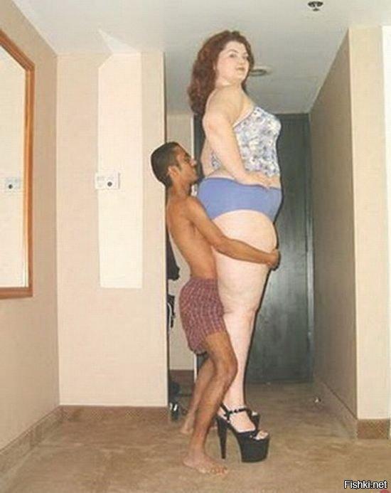 девушка с огромной жопой и худой парень ведётся близкого расстояния
