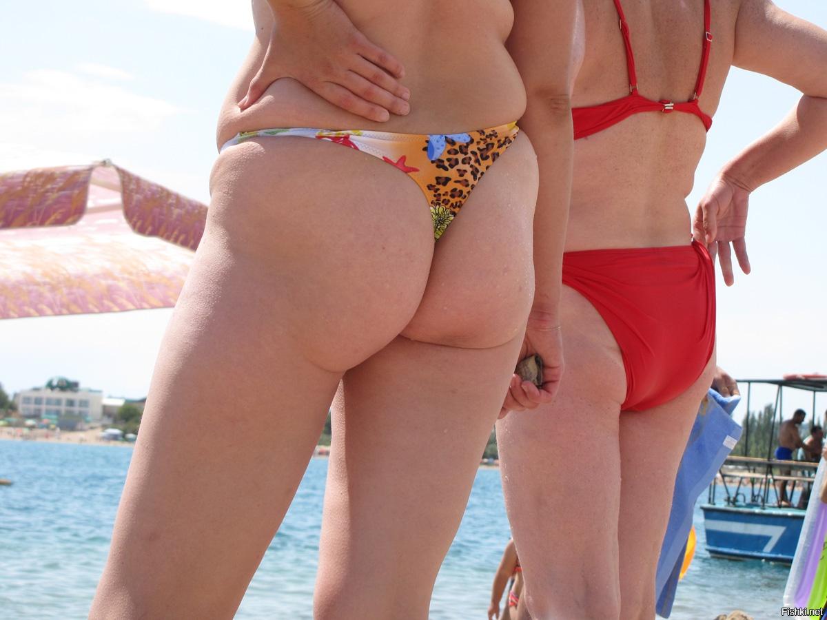 коленях, лицом жирные попы на пляже минет