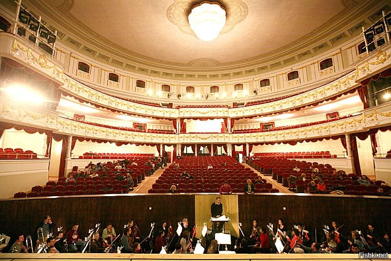 для театр оперы и балеты белоруссия прицеп